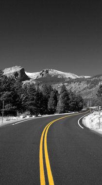 Straße in die Berge von buellom