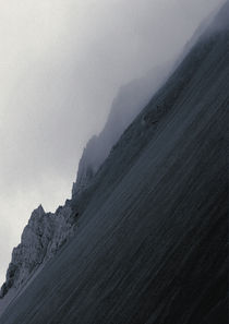 Fog at Hafnarfjall von Kristjan Karlsson