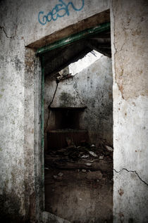 Abandoned little house 1 by RicardMN Photography