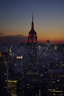 Manhattan at night by axel haudiquet