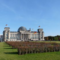 Reichstagsgebäude / Reichstag building by Maximilian Jungwirt