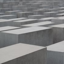 Holocaust-Mahnmal Berlin / Holocaust Memorial Berlin by Maximilian Jungwirt