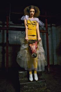 Hanging Beauty von Razvan Anghelescu