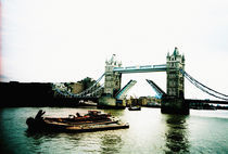 tower bridge by Giorgio Giussani