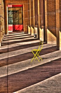 Faa-nd36504-tonemapped-waiting-in-the-shade
