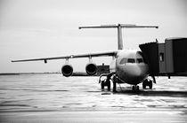 Aircraft-refuel-at-airport