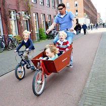 Amsterdam- The cycle city by Gautam Tingre