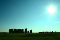 Stonehenge, tourists and the sun by Gautam Tingre