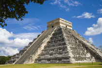 The most famous landmark of Chichen Itza von Danita Delimont