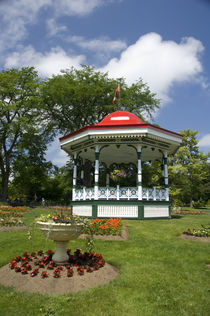 Traditional gazebo von Danita Delimont