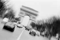 With Arc de Triomphe von Danita Delimont