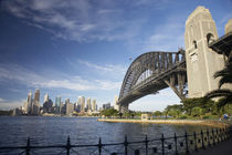 Sydney Harbour Bridge and CBD von Danita Delimont