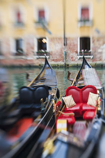 Selective Focus of Gondola in the Canals of Venice von Danita Delimont