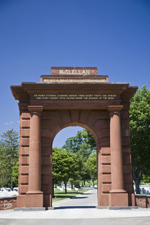 McClellan Gate at Arlington National Cemetary von Danita Delimont