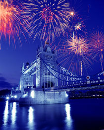 Fireworks over the Tower Bridge von Danita Delimont