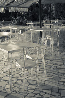 Lakeside cafe tables von Danita Delimont