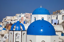 Bell tower and blue domes of church in village of Oia von Danita Delimont