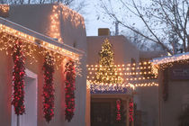 Santa Fe: Canyon Road Gallery District Gallery Lights Evening / Gipsy Alley / Christmas by Danita Delimont