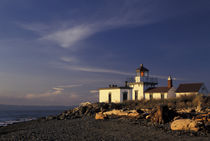 Seattle Westpoint lighthouse with driftwood by Danita Delimont