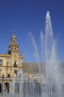 Andalucia Fountain and ornate Plaza de Espana (built 1929) in Parque de Maria Luisa von Danita Delimont