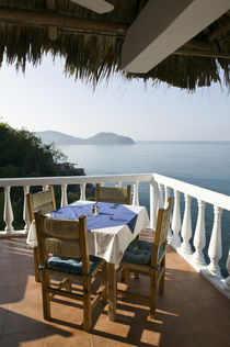 Cafe Table over Zihuatanejo Bay von Danita Delimont
