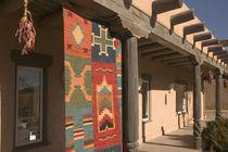 Taos: Navaho Rug Gallery Kit Carson Road von Danita Delimont