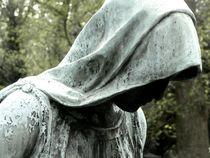 graveyard mourning XII von Oliver Metz