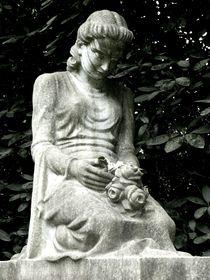 graveyard mourning VI von Oliver Metz
