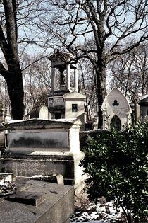 graveyard housings I von Oliver Metz