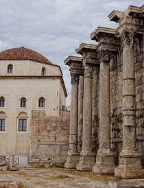 Grecian Columns von Jenny Hudson