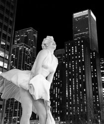 Chicago and the Blonde Bombshell by Jenny Hudson