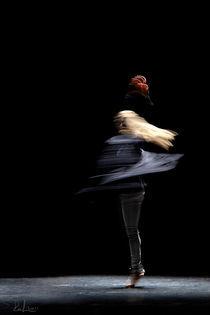 Dancing top by Raffaella Lunelli