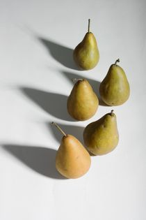 Five pears von Peter Zvonar