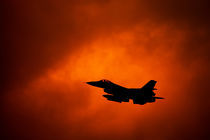 F-16 on orange sky von holka