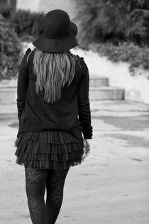 Don't look back by Georgi Bitar