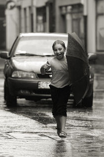 Children of old Thorn XXXIII - Fun in the rain von Waldek Dabrowski