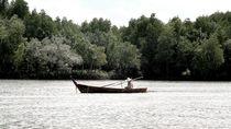 Boot auf dem Fluß von Julia  Berger