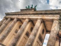 Brandenburger Tor by vhwdigitalart