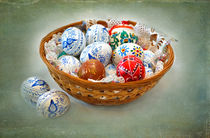 A Basket of Easter Eggs von Louise Heusinkveld