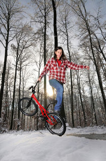 BMX Flatland im Schnee - Monika Hinz von Matthias Hauser