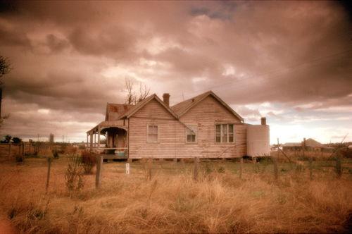 C-045-35-e-outback-farmhouse