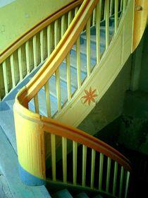 forgotten stairs II von Oliver Metz