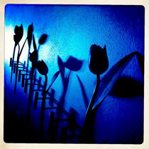 blue wall with tulips by Wiebke Wilting