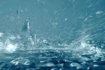Close-up of splashing water von Sami Sarkis Photography
