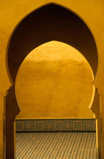 Entrance to Moulay Ismail Mausoleum von Sami Sarkis Photography