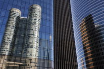 Reflection of Skyscrapers in La Defense von Sami Sarkis Photography