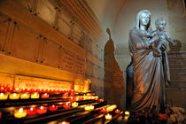 Candles and Virgin Mary with Infant von Sami Sarkis Photography