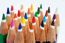 Row of colorful crayons von Sami Sarkis Photography