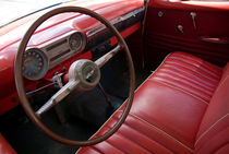 Interior of a classic American car von Sami Sarkis Photography