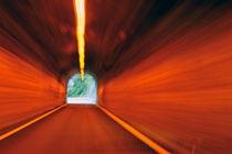 Blurred motion in a road tunnel von Sami Sarkis Photography